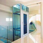 elevador de vidrio azul